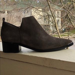 Marc Fisher Booties, brand new!